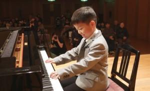 のびのびピアノ