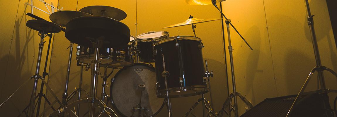 宝塚市で子供ドラム教室をお探しならレイドバックミュージックスクール へ