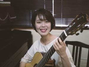 女性ギター講師が入りました